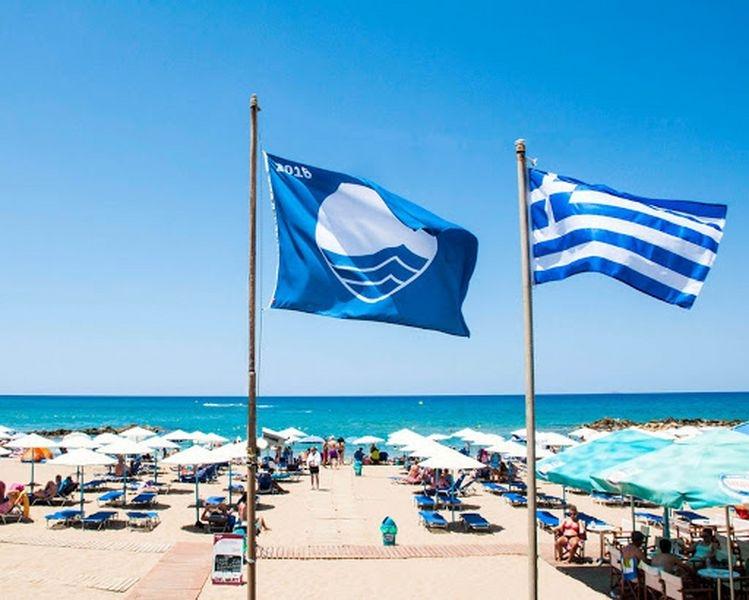 IΗ Ελλάδα δεύτερη «δύναμη» παγκοσμίως σε Γαλάζιες Σημαίες